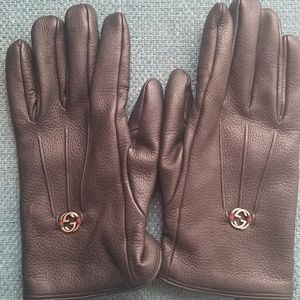 *SOLD*Authentic gucci black gloves